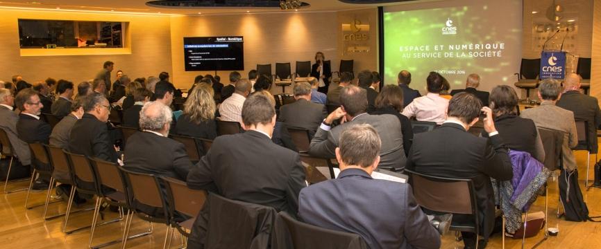 Le CNES organise la première convention Espace & Numérique